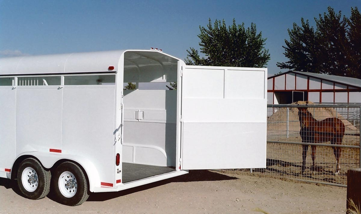 TRAILER ALBUM/01 - Horse Trailers/01 - Diagonal-Haul Bumper Pull/01 - 2 Horse/2006 smooth side no windows/1200x900/4.jpg